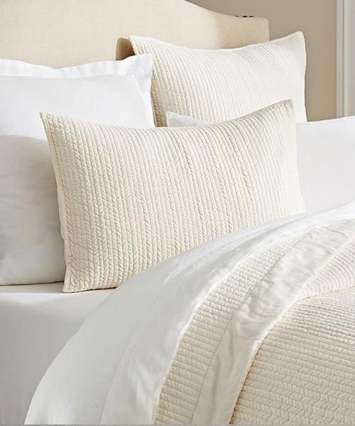 Neutral Bedding Quilt
