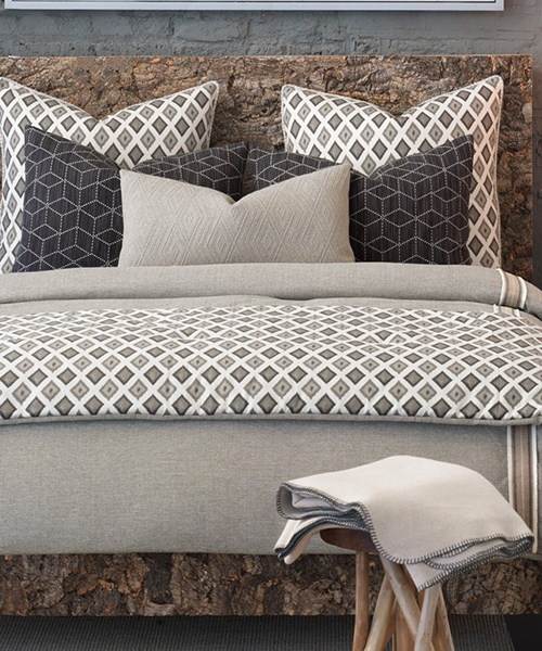 Eastern Accents Bedding Set